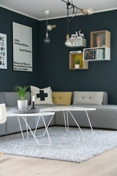 Nyanser av blått Decor, Furniture, Interior, Home Decor Decals, Sofa, Table, Home Decor, Inspiration, Coffee Table