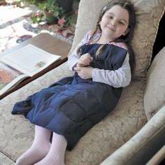 #autisme Posez le tapis sur les genoux pour bénéficier d'un effet relaxant instantané !  Particulièrement indiqué pour les enfants ayant des troubles d'intégration sensorielle.  #autisme #ted