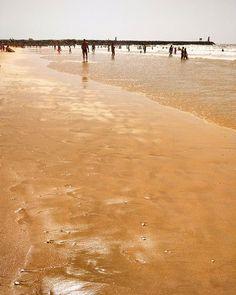 A praia em tons dourados #praiadourada #rochabaixinha #vilamoura #férias #summer…