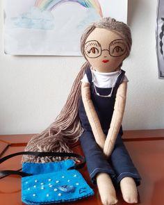 """Οι chingoleleta💜 δημοσίευσαν στο Instagram: """"💙👩🏫Custom made teacher doll. Ready for shipping.  Do you like her?…"""" • Δείτε 68 φωτογραφίες και βίντεο στο προφίλ τους. Handmade Dolls, Princess Zelda, Fictional Characters, Instagram, Fantasy Characters"""