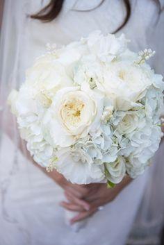Brautstrauß: Hortensien, Lisianthus, Rosen,  Maiglöckchen
