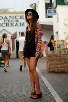 Missoni cardigan, brimmed hat, sunglasses and wedges.