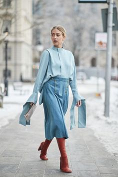 All the trends of the coming spring: what is worn at the Fashion Week in Stockholm Women's Dresses, Trendy Dresses, Casual Dresses, Petite Fashion, Boho Fashion, Fashion Tips, Fashion Design, Cheap Fashion, Fashion 2017
