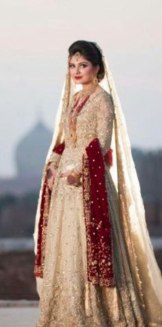 New wedding dresses indian color combinations pakistani bridal 53 Ideas New Wedding Dress Indian, Desi Wedding Dresses, Wedding Wear, Dress Wedding, Bride Dresses, Trendy Wedding, Wedding Cakes, Indian Bridal Lehenga, Pakistani Wedding Dresses