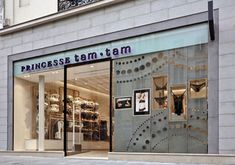 French lingerie brand Princesse Tam Tam store design by UXUS. Storefront. #storefront, #window, #merchandising