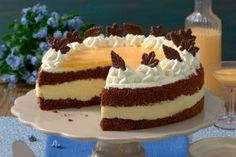 Delicious chocolate egg liqueur cake with Herrlicher Schoko-Eierlikör-Kuchen mit Sahne Recipe for Chocolate Eggnog Cake – Recipes – bildderfrau. Delicious Chocolate, Chocolate Recipes, Torte Au Chocolat, Eggnog Cake, Cheesecake, Food Cakes, Cream Recipes, Homemade Cakes, Coffee Cake