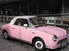 "Next one of the series ""mystery cars""  what car is this! Nice colour !  #wondering #seenonmyrun #seenonthestreet #london #running #carporn #laufen #neverseenbefore #oldie #läuftbeidir #runnerslife #streetlife #picoftheday #photooftheday #iloverunning #irun #streetrunning #läufer #girlscar #easy #lifestyle #follow"