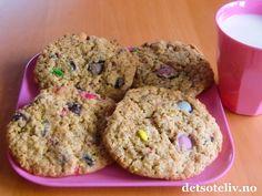 Havrecookies med Smarties | Det søte liv Krispie Treats, Rice Krispies, Cookie Recipes, Muffin, Cookies, Breakfast, Desserts, Food, Lattices