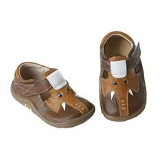 Elephant Shoes by Livie and Luca: Nora's Mommy bought her a pair of these. What a nice Mommy! #Kids_Shoes #Elephant_Shoes #Livie_and_Luca