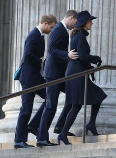 Sombre-looking Kate Middleton joins husband William and Prince Harry at Grenfell Memorial Service six months after 71 people killed in horror blaze - Mirror Online Prince Harry And Megan, Prince William And Catherine, William Kate, Duchess Kate, Duchess Of Cambridge, Duke And Duchess, Princess Diana Family, Prince And Princess, Elizabeth Ii
