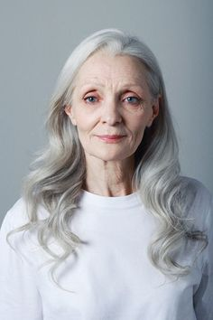 Gray Wigs Lace Frontal Wigs Best Drugstore Hair Dye To Cover GrayAsh Grey Hair Colour Mens Sixty And Me, Photographie Portrait Inspiration, Grey Wig, Gray Hair, Older Models, Ageless Beauty, Silky Hair, Aging Gracefully, Textured Hair