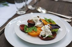 Après Fête: heirloom tomato caprese with burrata www.apresfete.blogspot.com