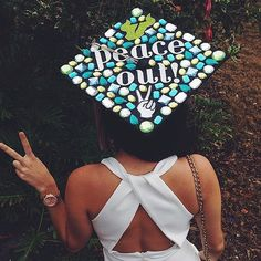 Peace out, fellow graduates! Source: Instagram user andrenedd
