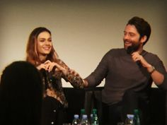 Here are some NEW Fan Pics of The Cast of Outlander at Land Con – Day 2 Morepicsafter the jump!