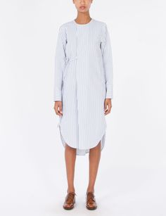 The Creatures of Comfort Temperly Dress is a long sleeve, shirt dress with a box pleat detail at front and a tie closure at side. Cut from a midweight Japanese