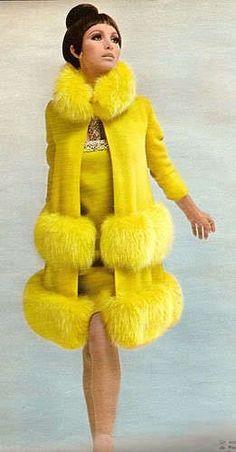 Pierre Cardin, not mellow-yellow :) 1960s Fashion, Trendy Fashion, Vintage Fashion, Sporty Fashion, Ski Fashion, Fasion, Fashion Art, Fashion Women, Fashion Ideas