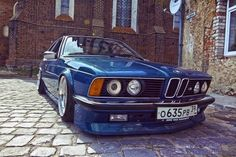 BMW E24 M635CSi blue slammed