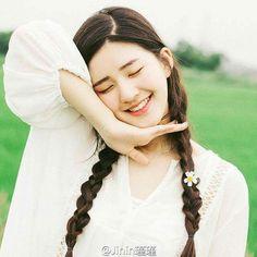 Romantic Films, Beautiful Chinese Girl, Creative Pictures, Japan Girl, Chinese Actress, Kawaii Girl, Girl Poses, Ulzzang Girl, Korean Ulzzang