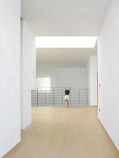 House Between Walls / Esculpir el Aire