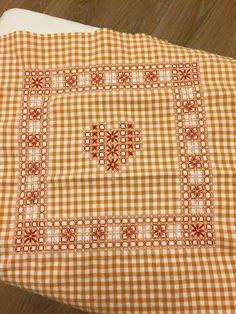 Discover thousands of images about Chicken Scratch - Borders Embroidery Stitches, Embroidery Patterns, Hand Embroidery, Quilt Patterns, Chicken Scratch Patterns, Chicken Scratch Embroidery, Monochromatic Quilt, Bordado Tipo Chicken Scratch, Diy And Crafts