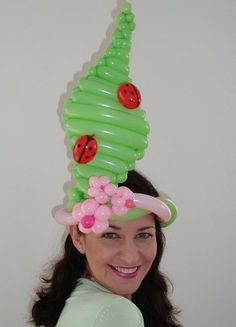 Balloon Hat by Miss Ballooniverse, via Flickr