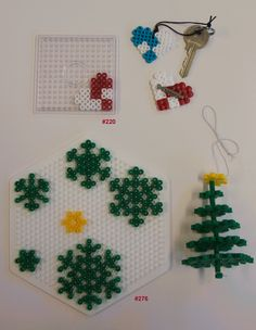 Bügelperlen HAMA - Weihnachten 2016 Omaha Rules: How to Play Omaha Poker Omaha poker is starting to Christmas Perler Beads, 3d Christmas, Beaded Christmas Ornaments, Melty Bead Patterns, Pearler Bead Patterns, Beading Patterns, Diy Perler Beads, Perler Bead Art, Hamma Beads Ideas