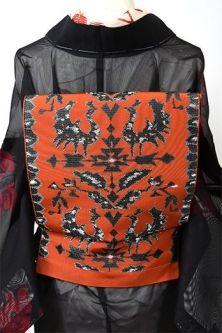 スカーレットにアンティークシルバー鳥や花の装飾模様美しい単帯