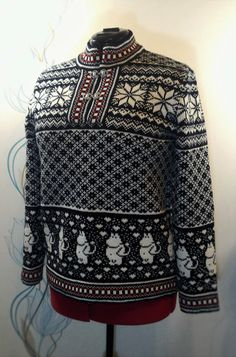Sweater for adult with moomin pattern