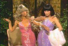 Farrah Fawcett and Cher in Bob Mackie gowns playing mannequins in a sketch on The Sonny & Cher comedy hour. Wallpaper Makeup, 70s Fashion, Vintage Fashion, Disco Fashion, Paper Fashion, Fashion Art, Couture Fashion, Korean Fashion, Fashion Tips