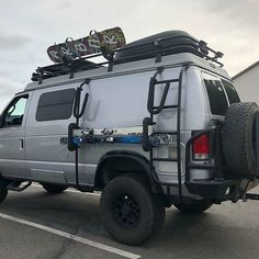 21 Models of Offroad Vans for Camping in The Interior Where The Road is Difficult to Get Through - Camper Life 4x4 Camper Van, 4x4 Van, Camper Life, Offroad Camper, Station Wagon, Ford E Series, Travel Camper, Bug Out Vehicle, Vans