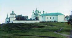 Сегодня в Московской области свыше полутора тысяч действующих храмов и 24 монастыря. Святость и красота здесь всегда рядом. Мы предлагаем вашему вниманию путеводитель по нескольким наиболее значимым святыням Подмосковья.