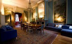 KIVIK seating in blue room Museum Geelvinck Amsterdam. Photo: Photo Republic
