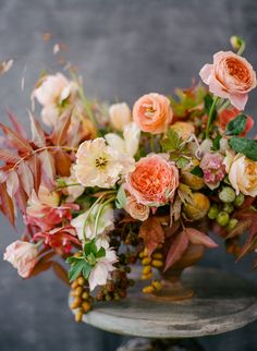 Graceful Flower Arrangements by Tulipina and Rebecca Yale Photography Fall Flowers, Fresh Flowers, Cut Flowers, Beautiful Flowers, Fall Bouquets, Wedding Bouquets, Purple Bouquets, Bridesmaid Bouquets, Pink Bouquet