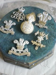 Divine shabby chic vintage toleware badge applique - crown & plumes The Royal Hussars Military badge. simplychateau/shirley wells/Etsy