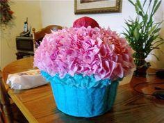 Homemade Cupcake Pinata – Two Peas in a Bucket