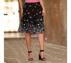 Sukňa s potlačou | vypredaj-zlavy.sk #vypredajzlavy #vypredajzlavysk #vypredajzlavy_sk #sako #sukne #vyprodej #slevy Skirts, Fashion, Moda, Fashion Styles, Skirt, Fasion, Skirt Outfits, Dresses