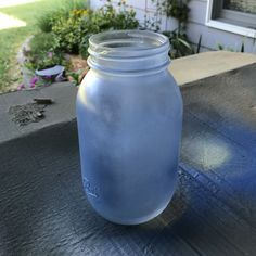 Outstanding mason jar information are offered on our internet site. Take a look and you wont be sorry you did. Wine Bottle Crafts, Mason Jar Crafts, Mason Jar Diy, Diy Hanging Shelves, Floating Shelves Diy, Diy Home Decor Projects, Diy Projects To Try, Light Bulb Vase, Galaxy Bath Bombs