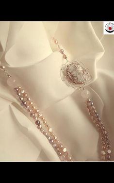 Per chi vuole lasciare un segno importante ad una mamma particolare : Collana Primavera Collana con perle Agata e cammeo importante