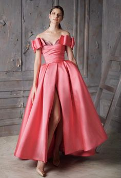 Dress With Draped Bodice Look Fashion, Unique Fashion, Girl Fashion, Fashion Dresses, Beautiful Gowns, Beautiful Outfits, Pink Dress, Dress Up, Evening Dresses
