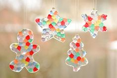 These melted bead ornaments are SO BEAUTIFUL and they're so simple! You can hang them on the Christmas tree, or turn them into sun catchers for the window.