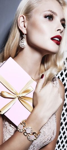 Inna Erten ⭐️ Beverly Hills Bi$ch  {I shop on Rodeo Drive for cardio}  ⭐️   Poppy Pea