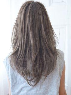 【CARE】ゆるカールアッシュグレー/CARE shinsaibashi 【ケア シンサイバシ】をご紹介。2019年冬の最新ヘアスタイルを300万点以上掲載!ミディアム、ショート、ボブなど豊富な条件でヘアスタイル・髪型・アレンジをチェック。 Brown Hair Chart, Ash Brown Hair, Brown Hair Colors, Hair Stations, Medium Hair Styles, Long Hair Styles, Hair Arrange, Long Bob Hairstyles, Long Hair Cuts