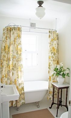 ARTICLE + GALLERY: Shower Curtains That Make the Bathroom