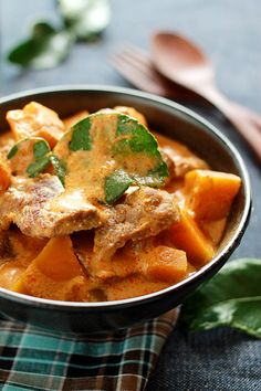 Beef Curry with Pumpkin: one of my favorite ways to use pumpkin is to add it to curries, especially Thai-style curries, such as this beef curry with pumpkin. #pumpkin #beef #thai