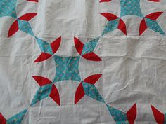 Vintage Quilt Top. Turkey Tracks. Lily of the Valley. Bird of Paradise. Hand Pieced. Beautiful Condition