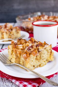 Maple Bacon Apple Cinnamon Roll Bake - this easy cinnamon roll casserole is loaded with soft apples, crunchy bacon, and maple icing. Try this recipe for breakfast or brunch parties! Apple Cinnamon Roll Bake, Cinnamon Roll Casserole, Cinnamon Apples, Cinnamon Rolls, Bacon Breakfast, Breakfast Bars, Breakfast Casserole, Breakfast Recipes, Dessert Recipes