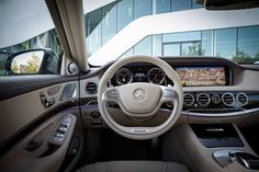 2015 Mercedes-Benz S65 Steering wheel luxury interior drive leather beige wood veneer grey matte multifunction dashboard black glossy