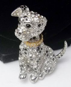 free gift box Art Deco cerise pink dog brooch In with crystal eyes and a black collar