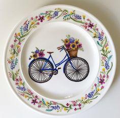 Купить Роспись фарфора Тарелка Велосипед - надглазурная роспись, роспись фарфора, роспись по фарфору