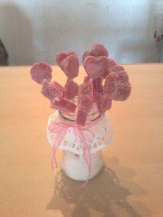 Frasco reciclado para candy bar trabajos realizados for Pinchos de gominolas